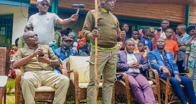 Cérémonie d'intronisation du chef de site de Kahuzi-Biega