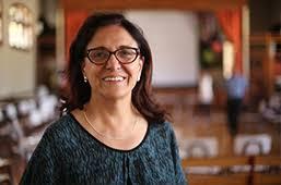 Rosa Valls katedraduna, unibertsitate zientifikoago, gizatiarrago eta jazarpenik gabekoaren aldeko feminista