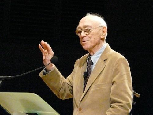 """Jerome Bruner, iraultza kulturalaren protagonista: adimena ez da barrutik kanpora eratzen, kulturaren """"tresnen"""" bidez baizik."""