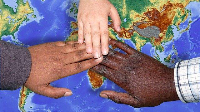 Ikaskuntza interkulturalaren hiru esperientzia Europan