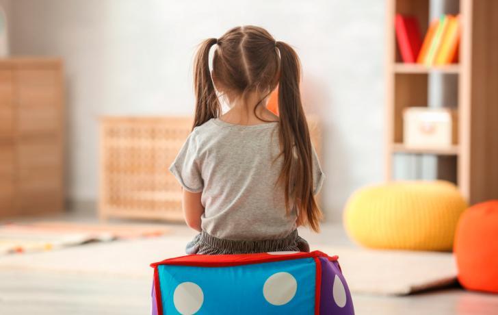 Haur hezkuntza hizkuntza-aukera sozialak hobetzen autismoa duten haurrentzat