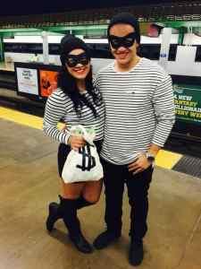 Bank Robbers Halloween Costume #halloween #halloweencostume #halloweencouplecostume #couplecostume #diycostume #diyhalloween #diyhalloweencostume #KAinspired www.kainspired.com