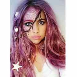 DIY Halloween Makeup Looks #halloween #halloweencostume #diy #diyhalloweencostume #diycostume #makeupideas #halloweencostumes #facepaint #makeup #mermaid #mermaidmakeup #mermaidhair #kainspired