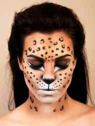 DIY Halloween Makeup Looks #halloween #halloweencostume #diy #diyhalloweencostume #diycostume #makeupideas #halloweencostumes #facepaint #makeup #leopard #animalcostume #leopardcostume #animal #kainspired