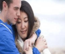Menunjukkan Cinta Pada Istri Anda