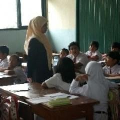 Bentuk Pelanggaran yang Sering Dilakukan Siswa di Kelas