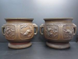 時代物 銅製 猪虎獣図獣耳火鉢 一対 中古品