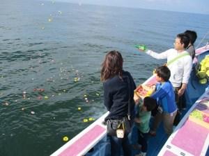 東京海洋散骨のチャーター散骨風景