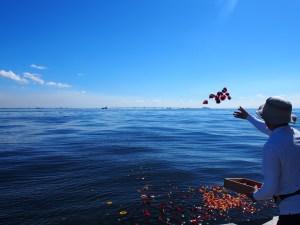 東京海洋散骨の献花