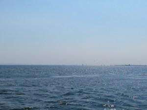 アクアラインと風の塔、羽田空港