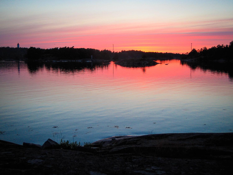 Vy mot Spårö Båk i go solnedgång