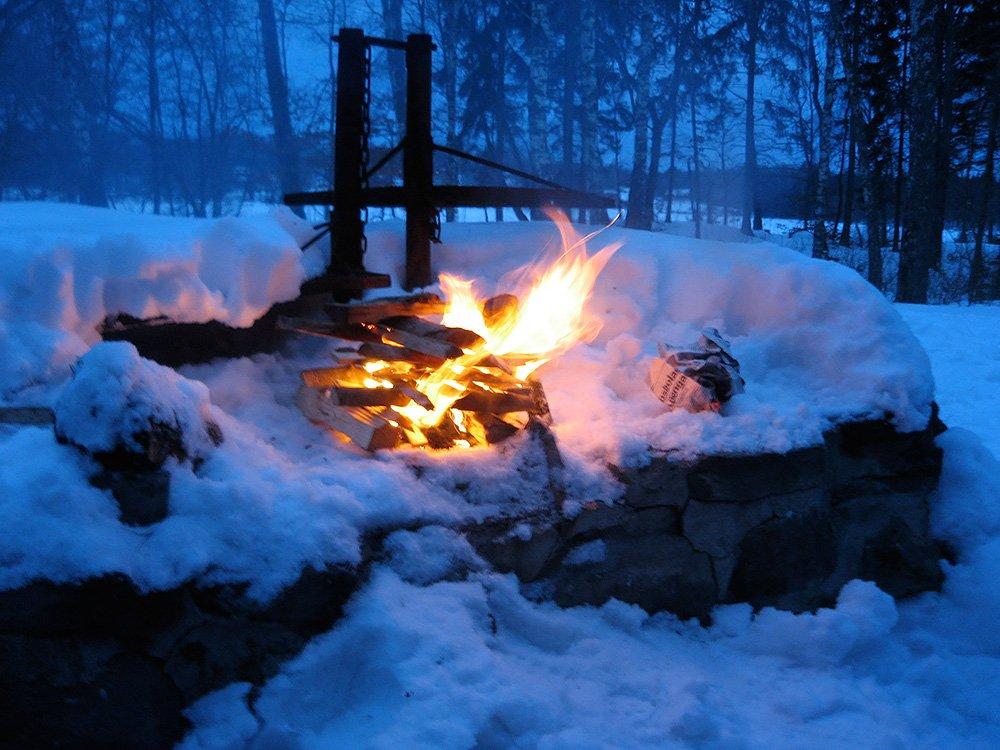 Brasa och skapligt med snö