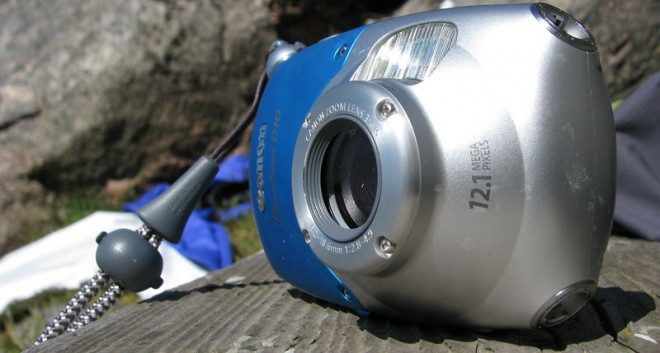 Canon Powershot D10 - vattentät och rund