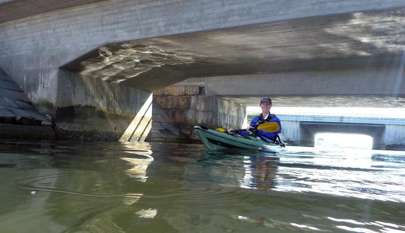 Pia under broarna i Karlskrona
