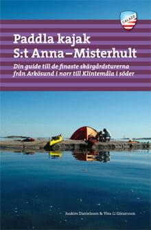 Omslag Paddla kajak i S:t Anna och Misterhult