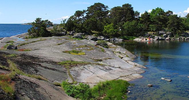 """Slappedag på """"Hålön"""" Denna ö har inget namn men den har en liten damm mitt på ön och på kartan ser det ut som ett hål, därav vårt namn ;)"""