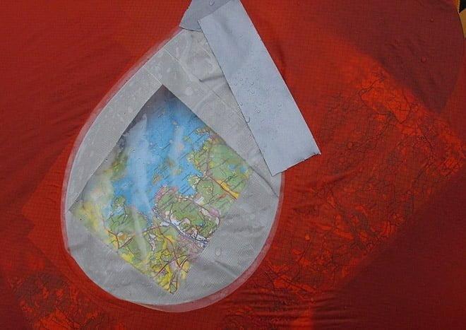 Tält med inbyggd karta
