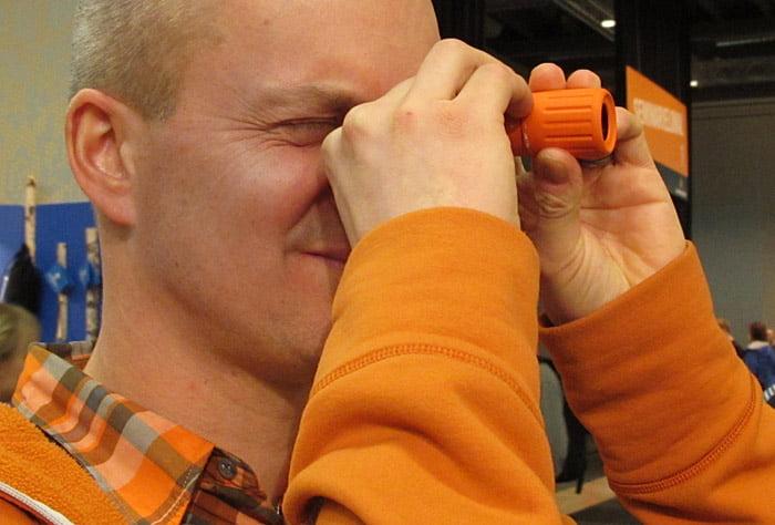 Liten smidig orange minikikare
