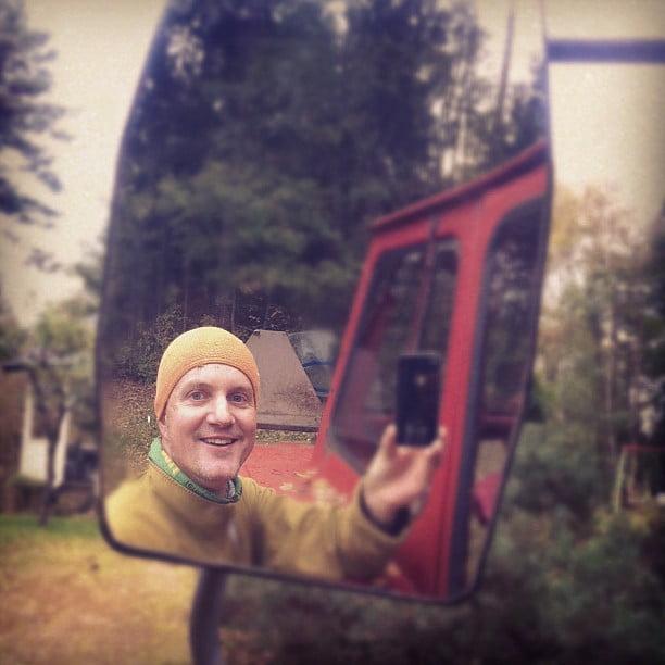 Självporträtt i en traktorspegel