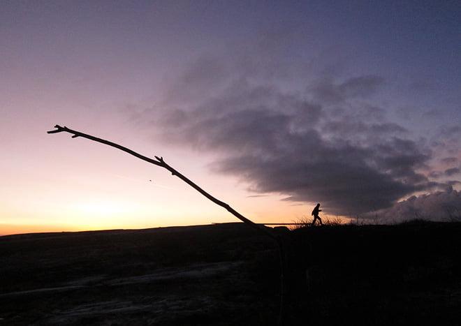 Patric tar en morgonrunda på klipporna