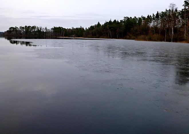 Tunn is, än så länge paddelbar men är det minus nån nått börjar det nog bli kärvt