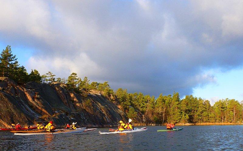 Gott paddelväder. Här mellan Lilla Bergö och Kärsmansholmen