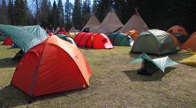 Tält i blandade storlekar