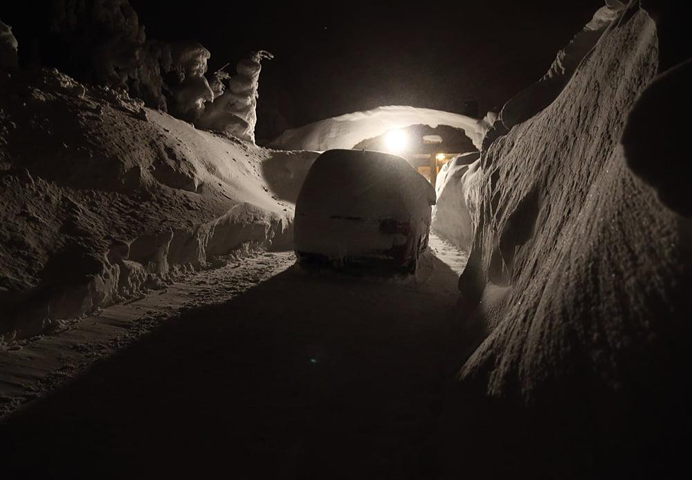 Mer snö, snart dags att snöa av bilen :)
