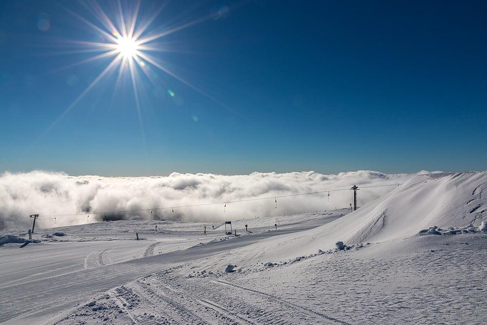 Sol, moln och massa snö på Trysilfjellet