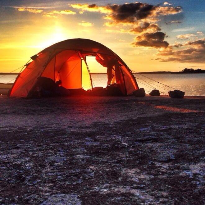 Solnedgång i tält