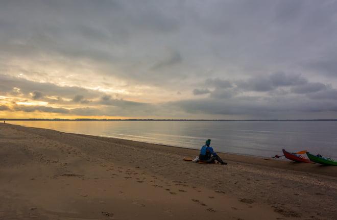 Fikahäng på lång strand