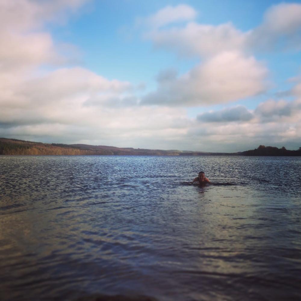 Lilljulaftonsbad i Rössjön