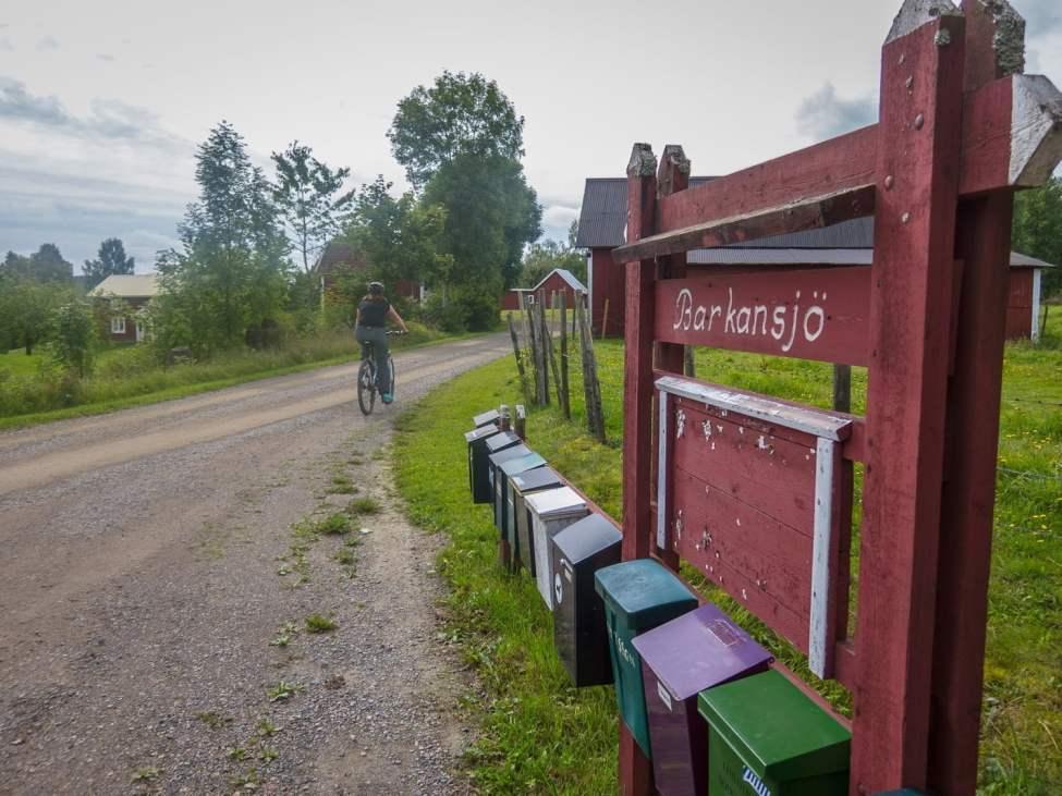 Cykling genom Barkansjö by