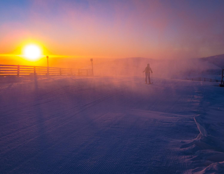 Soluppgång och mycket lokalt snöfall