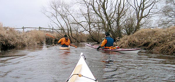 Smal och snirklig paddling i Pinnån