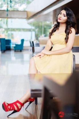 Actress Adhiti Latest Stills (4)