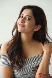 Actress Nabha Natesh Photos (17)