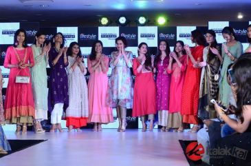 Taapsee Pannu as Brand Ambassador of Melange by Lifestyle (8)