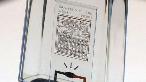 Стъкления чип на Xerox PARC се самоунищожава за 10 секунди...
