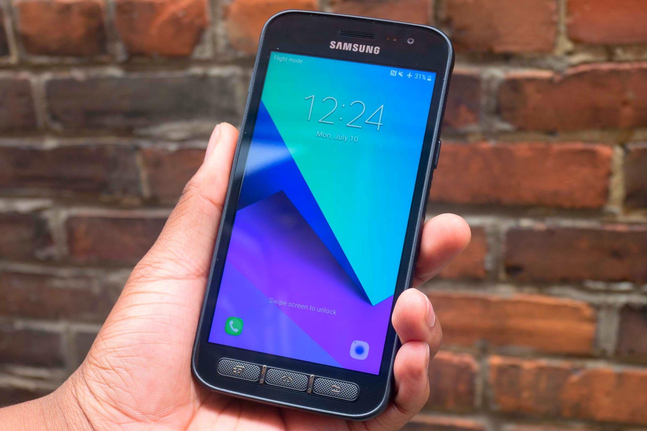 premium selection 70f81 a9385 Samsung Xcover 5 претендира да е нечуплив смартфон - kaldata.com