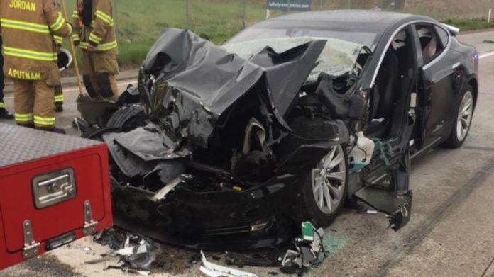 Според доклада на разследващите органи, автопилотът на колата е увеличил