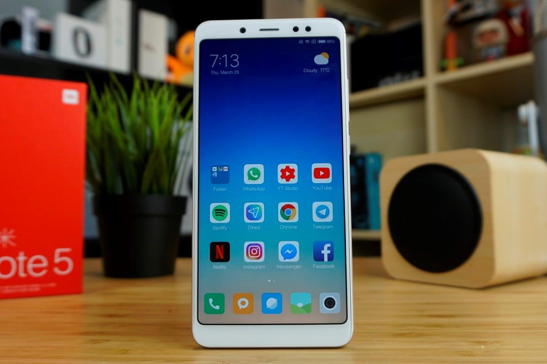 GSMArena публикува своя пореден седмичен рейтинг, показващ кои смартфони са