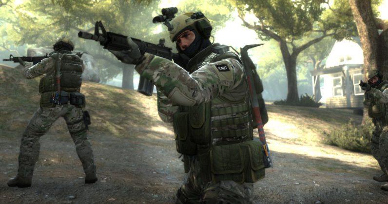 Още с излизането си през 2012 година играта Counter-Strike: Global