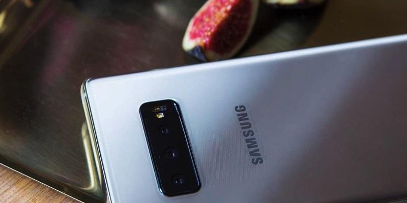 Снимка: Samsung Galaxy S10+ ще има 12 GB RAM и керамичен заден панел