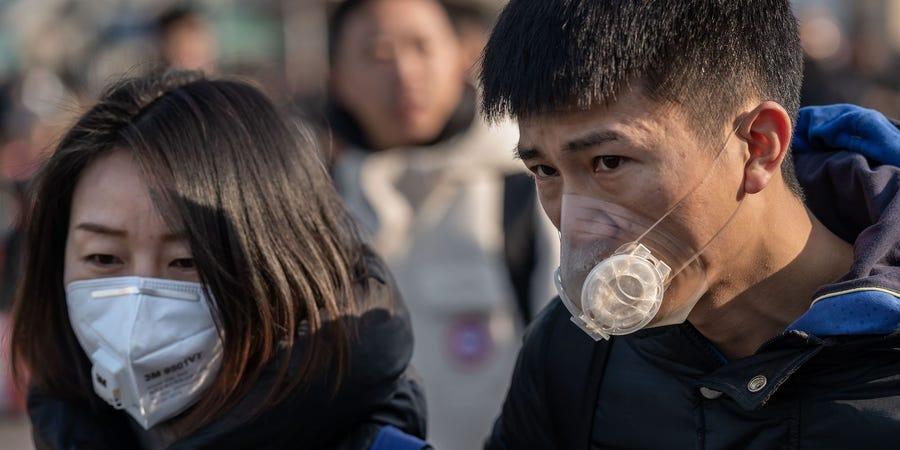 Китайският коронавирус се оказа хибрид между вирусите на змия и прилеп