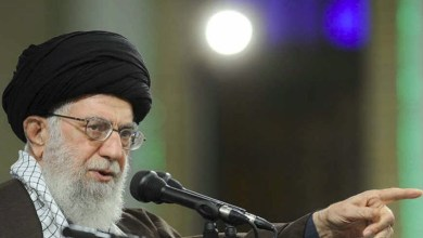 تصویر خامنهای: ممکن است آمریکا نقشه را برای سال ۹۸ کشیده باشد؛ حواستان را جمع کنید