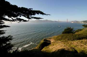 Overlooking the Golden Gate from the Lands End trail