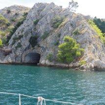 La grotte de Batman ou james bond?