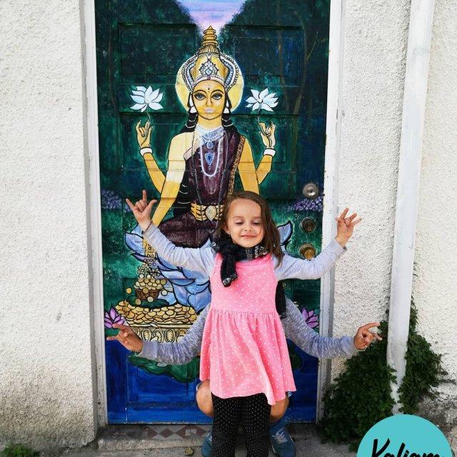 Kali meet Kali the godess Kali rencontre Kali la desse