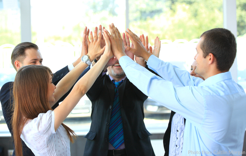 engagement-programs-incentives-boost-employee-healthcare-productivity